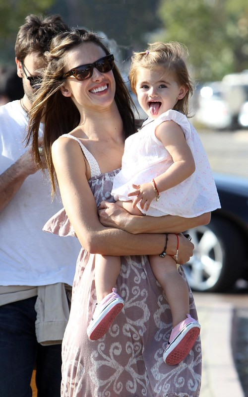 Alessandra Ambrósio e a filha, Anja.